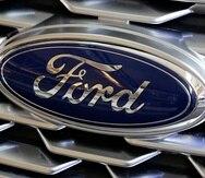 El logo de Ford en un Ford Explorer del 2018.