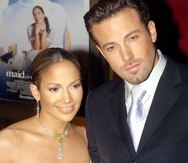 """Jennifer Lopez y Ben Affleck en una foto de 2002 durante la premier de la película """"Maid in Manhattan"""" en Nueva York. AFP PHOTO/Doug KANTER"""