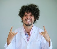 Además de ser cantante de rap, PJ Sin Suela, cuyo nombre de pila es Pedro Juan Vázquez, es médico  de profesión.
