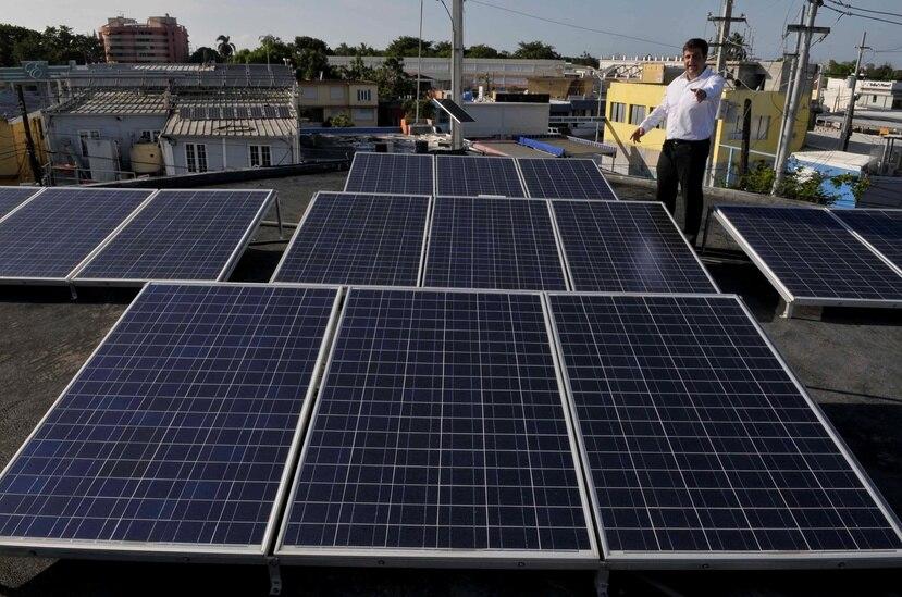 Más de 16,000 hogares ya dependen de sistemas fotovoltaícos en la isla. (GFR Media)