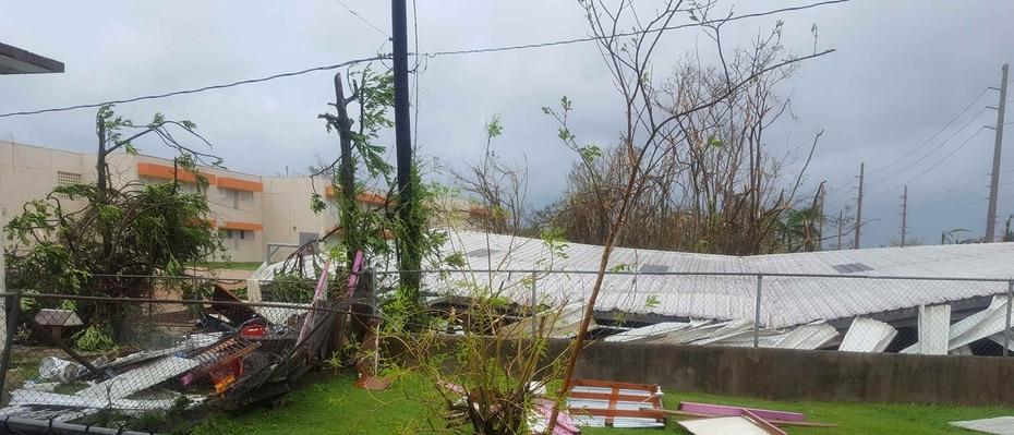 Las instituciones educativas también sintieron la furia del ciclón. (Escuela Antonio Barceló - Canóvanas / Raúl Alzaga)