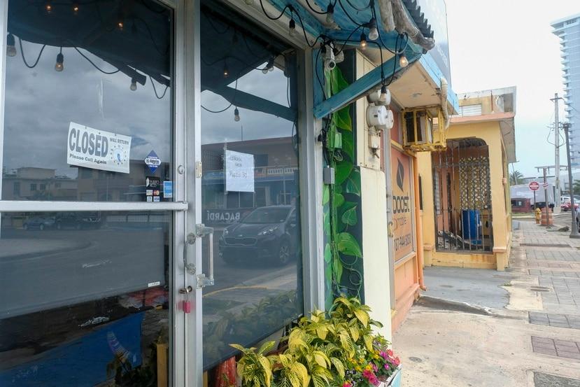 A raíz de la emergencia, muchos negocios se encuentran cerrados y no están generando ingresos. Mientras, los negocios exentos están operando de forma limitada y sus ingresos se han reducido de manera significativa.