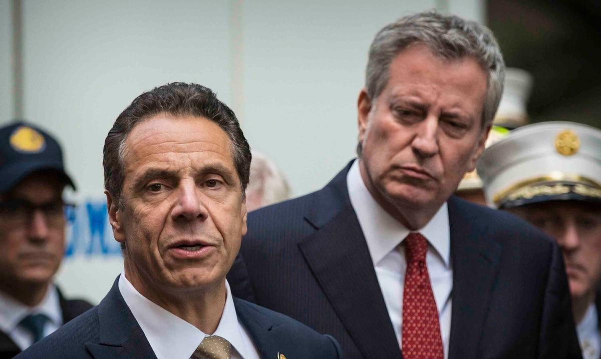 Dos altos legisladores demócratas de Nueva York ya no apoyan a Cuomo