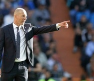 El técnico del Real Madrid Zinedine Zidane durante el partido contra Celta por la Liga española en Madrid. (AP)