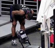 Kawhi Leonard, de los Clippers de Los Ángeles, salió lastimado de la rodilla derecha en el cuarto partido de la serie ante Utah.