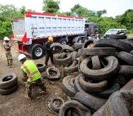 De acuerdo con el alcalde de Vieques, hace años se acumulaban las gomas en la isla municipio y no eran exportadas a la isla grande.