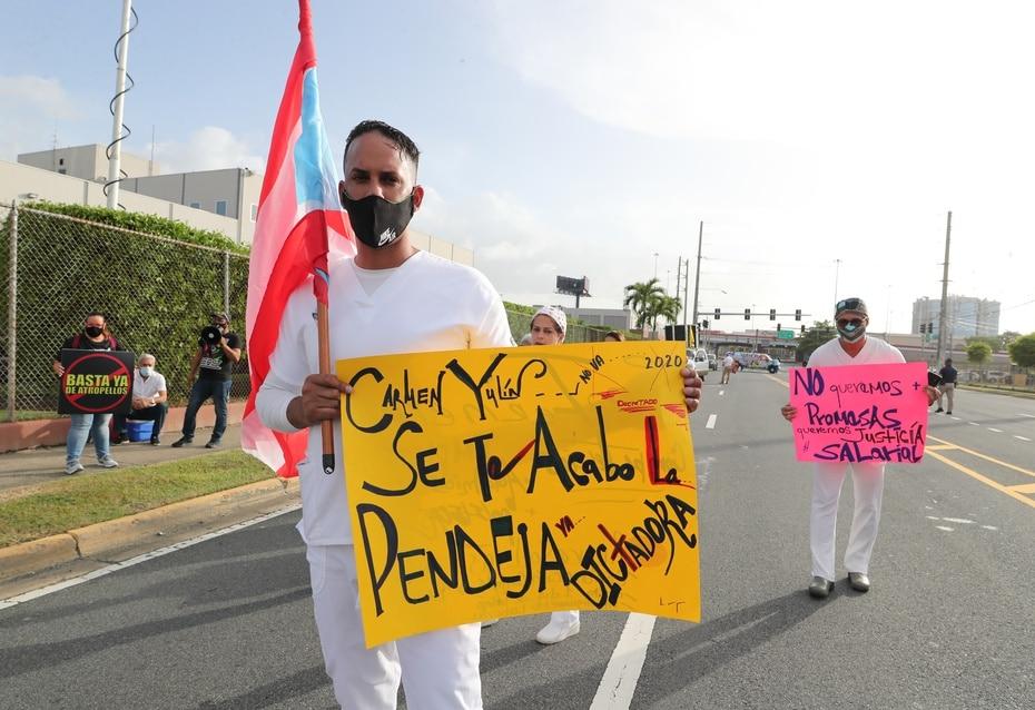 Otros mensajes fueron mucho más directos, en especial esta pancarta dirigida hacia Carmen Yulín Cruz.