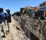 20210723, Rinc—nManifestaci—n frente al complejo Sol y Playa tras reiniciar labores de construcci—n de la piscina del complejo de apartamentos.(FOTO: VANESSA SERRA DIAZvanessa.serra@gfrmedia.com)