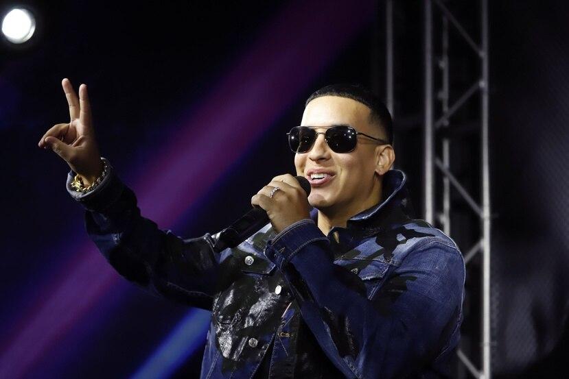 """""""Súbele el volumen"""" es un reggaetón bailable en el que cada uno de los artistas se lleva un pedazo del tiempo."""