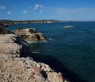 El activista Carlos Zenón dice que, en el este de Vieques, hay playas increíbles en su belleza.