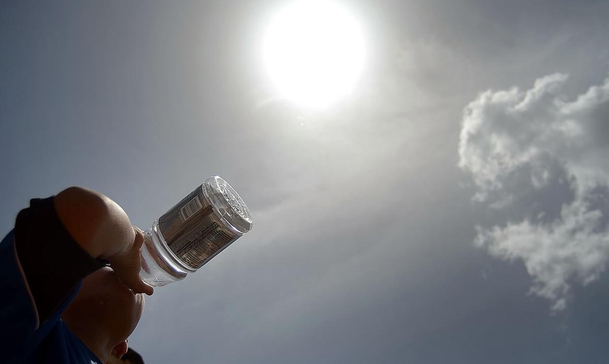 Anticipan que este domingo transcurrirá caluroso y brumoso
