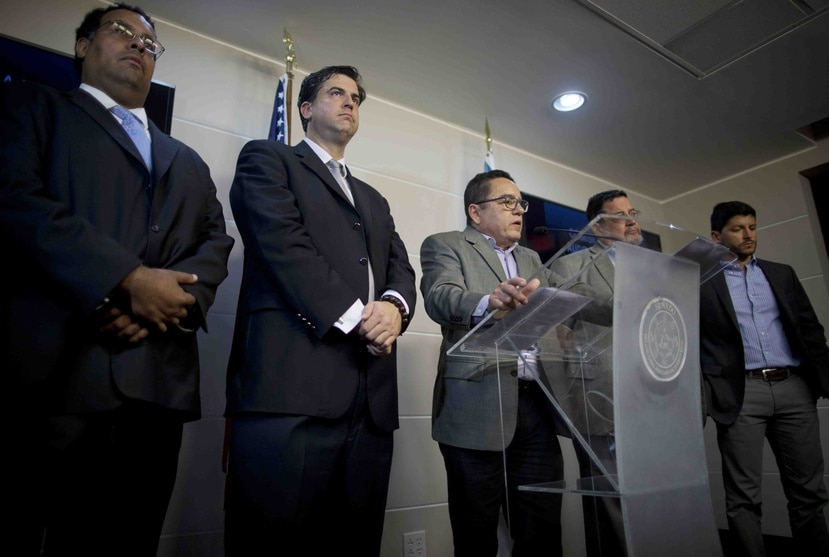 Desde la izquierda, Alvin Velázquez, Mario Marrazi, Roberto Pagán, Carlos Fronteras y el representante Manuel Natal.