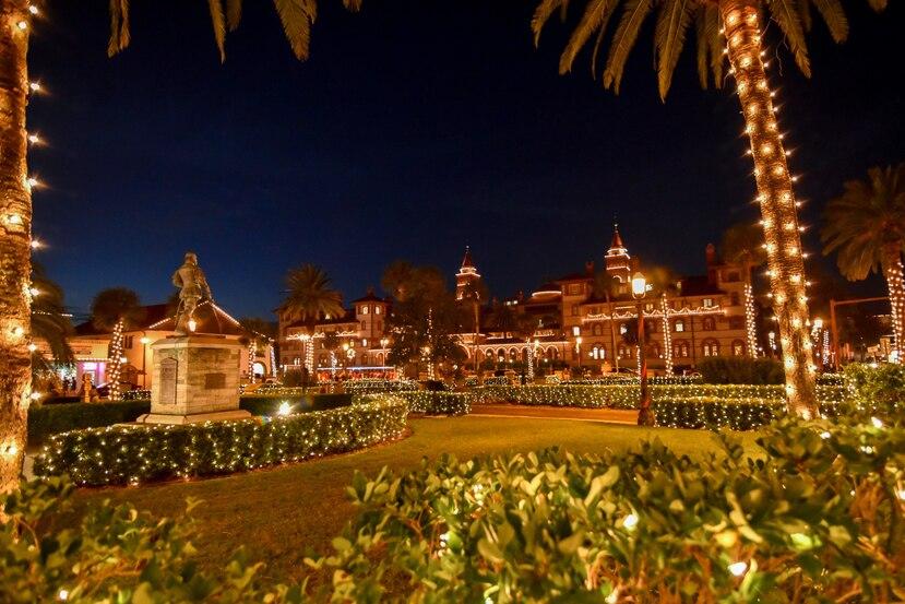 Esta festividad ha sido seleccionada por varios años como una de las diez mejores iluminaciones navideñas del mundo, por National Geographic. (Florida Historic Coast)