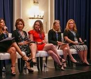 Desde la izquierda: Naid Ortiz, de Discover Puerto Rico; Miriam Hernández y Ana Paradela, de  Expedia; Sherry Hall y Stefany Jones, de Apple Leisure Group. (Suministrada)