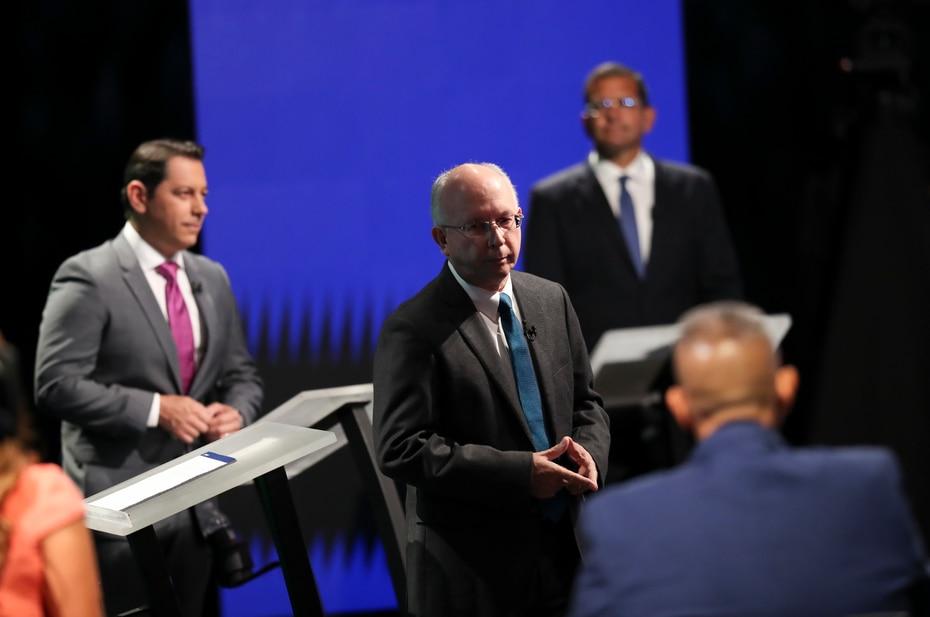 El candidato a la gobernación por el Proyecto Dignidad, el doctor César Vázquez, presentó varias de sus plataformas durante el debate.