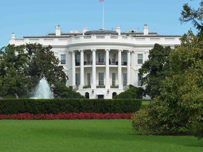 """""""La Casa Blanca no tiene conocimiento de alguna participación federal en la selección. Las preguntas deben ser hechas a la AEE"""", indicó Raj Shah, subsecretario de Prensa de la Casa Blanca. (Archivo)"""