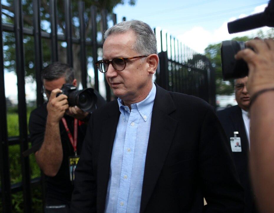 Contra el expresidente en Puerto Rico de la firma consultora internacional BDO Alberto Velázquez Piñol pesan cargos de fraude electrónico, conspiración y conspiración para cometer fraude.