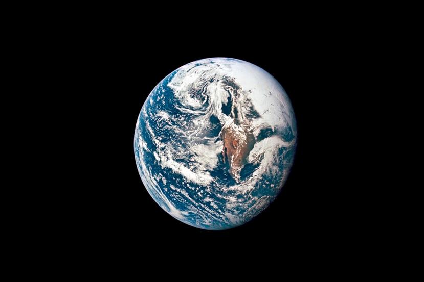 Esta foto del 18 de mayo de 1969 proveída por la NASA muestra la Tierra fotografiada desde la nave Apollo 10.