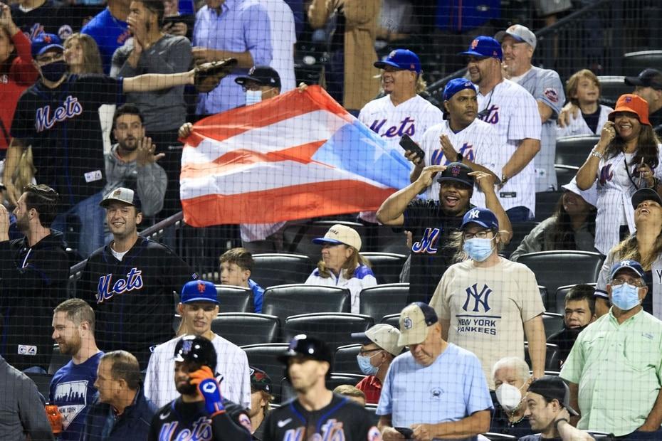 Al tratarse de un equipo con varios integrantes de la isla, la bandera puertorriqueña se multiplicó en las gradas del estadio en Queens.