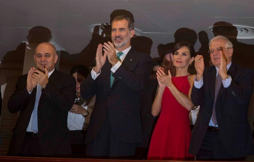 Antes de partir hacia Santiago de Cuba, parada final en si viaje, Felipe VI se encontró con el primer secretario del Partido Comunista de Cuba y expresidente, Raúl Castro Ruz. (AP / Ismael Franco)