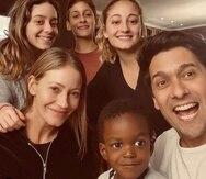 La familia del presentador y locutor chileno Rafael Araneda viven la felicidad de que el pequeño Benjamín sea parte ellos.
