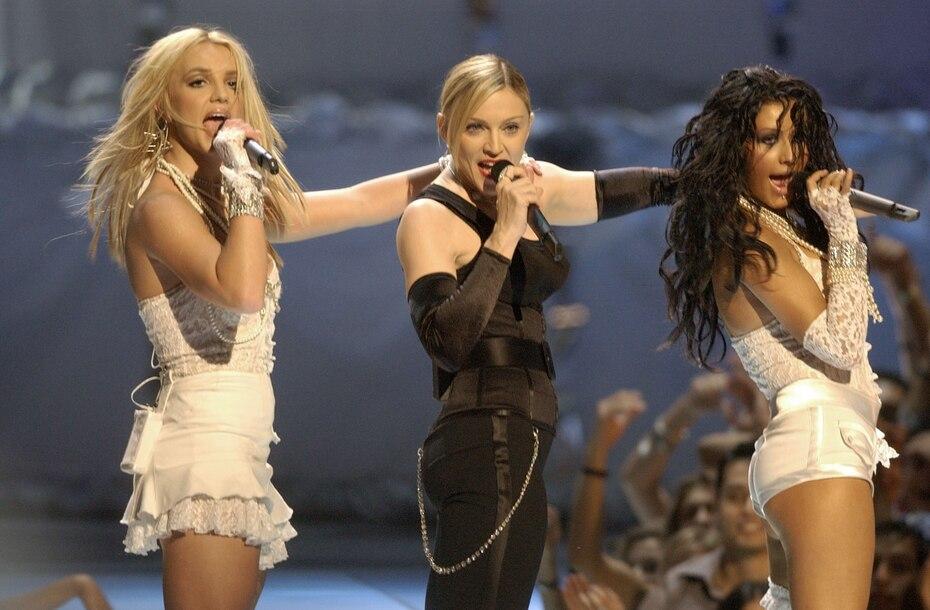 Su presentación junto a Madonna y Christina Aguilera en los MTV Video Music Awards de 2003 dio mucho de qué hablar.