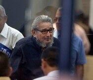 Abimael Guzmán, líder de Sendero Luminoso (al centro), no había sido visto desde 2014, cuando el juicio empezó. (AP)