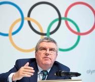 El presidente del COI, Thomas Bach, tiene previsto visitar la sede de las Olimpiadas este mes, pero el país ha aumentado las restricciones por el COVID-19 hasta el 31 de mayo.