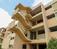 Los vecinos de Torres de Sabana fueron reubicados en otros residenciales o bajo Sección 8.