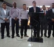 """Aníbal José Torres (centro) dijo que """"la clave del triunfo del Partido Popular en noviembre de 2020 es la unidad""""."""