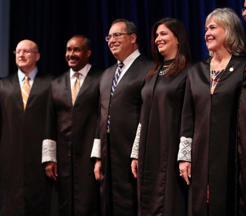 De izquierda a derecha, los jueces Roberto Filiberti, Erick Kolthoff Caraballo, Rafael Martínez Torres, Maite Oronoz Rodríguez y Mildred Pabón Charneco. (GFR Media_