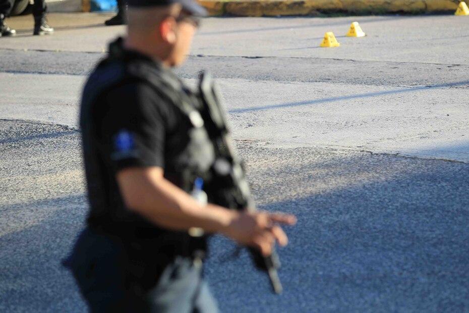 Según la pesquisa, la balacera se originó en una plazoleta ubicada cerca de un punto de droga en el residencial.