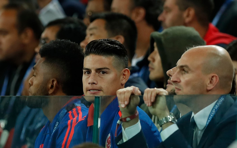 El estelar James Rodríguez no logró recuperarse de las molestias musculares que lo vienen aquejando durante el certamen y vio el partido desde las gradas.