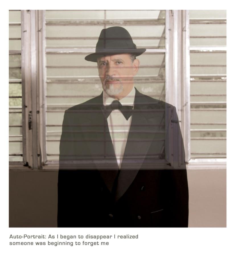 """Auto-Portrait: As i began to disappear I realized someone was starting to forget me"", autorretrato de Adál Maldonado (1948 -2020)."