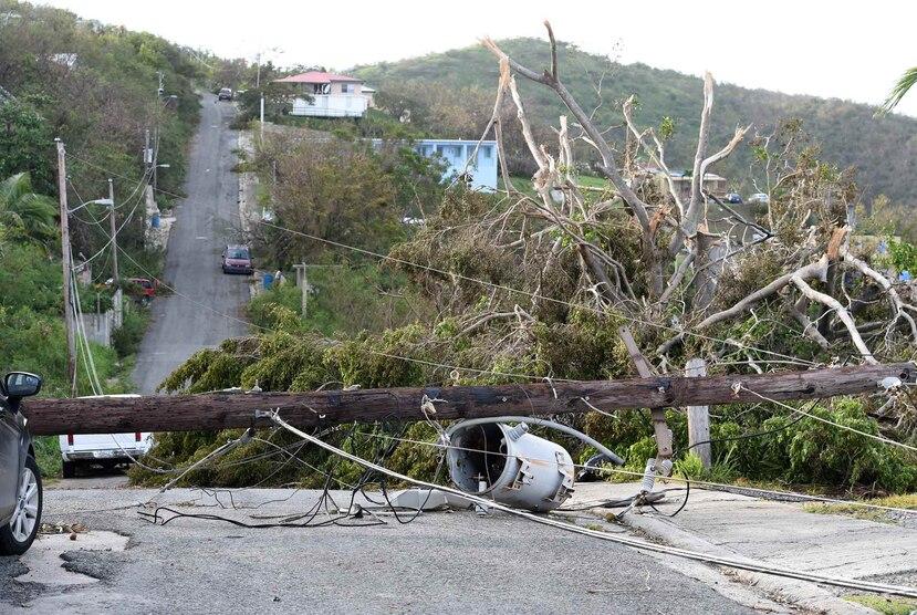 El paso del huracán Irma cerca de Puerto Rico provocó que más de un millón de personas se quedaran sin el servicio de energía.