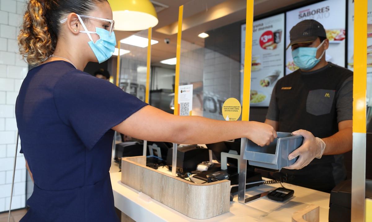 McDonald's en Puerto Rico le sube el salario a sus empleados