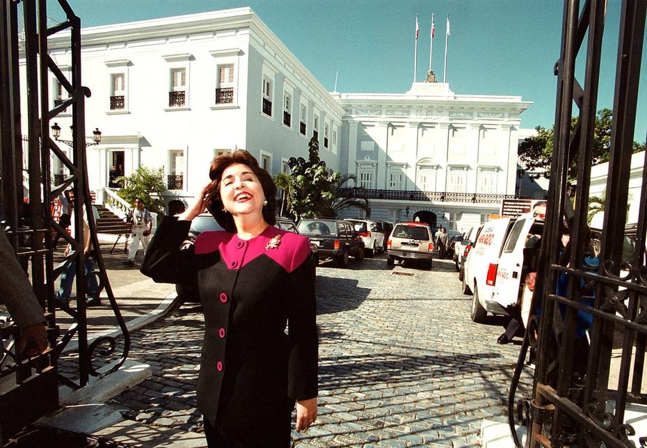 2000 | Sila Calderón llega a La Fortaleza el 13 de noviembre tras ganar las elecciones. (GFR Media)
