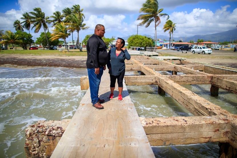 Los pescadores Martín Soto Rodríguez, de 41 años y quien trabaja en el mar con su madre, Griset Rodríguez, de 62 años, dijo que llevan más de 20 años luchando porque se construya una rampa de botes en Punta Santiago.