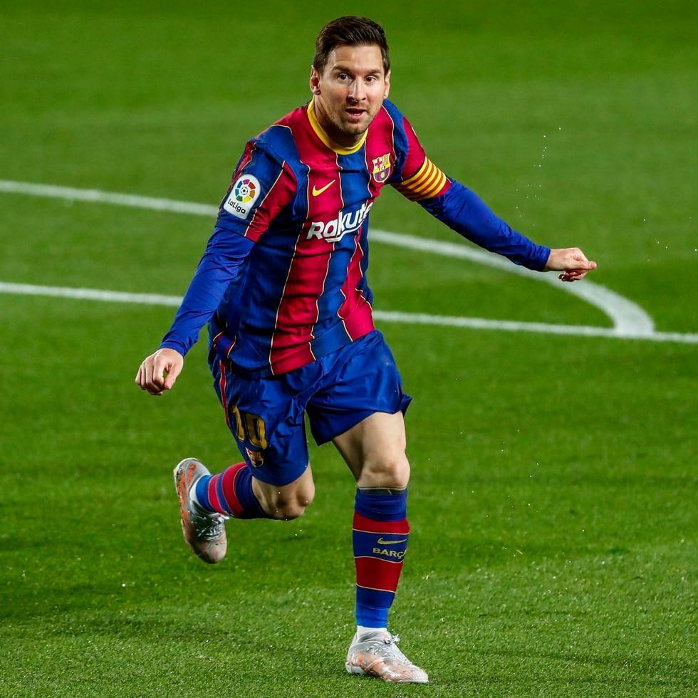 Lionel Messi alargará su relación con el club Barcelona por cinco temporadas más, luego de su intento el año pasado por librarse del contrato que lo ataba al equipo.