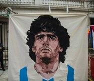 Diego Maradona, de 60 años, murió a causa de una insuficiencia cardíaca crónica que le provocó un edema agudo de pulmón.