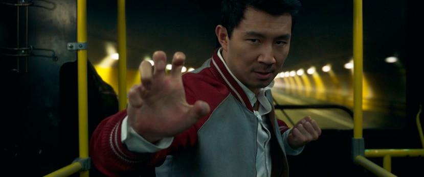 "El actor Simu Liu es el protagonista de la cinta de Marvel Studios ""Shang-Chi and the Legend of the Ten Rings"". (Marvel Studios vía AP)"
