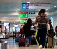 Salud reporta más de 200 casos positivos a COVID-19 entre viajeros en una semana