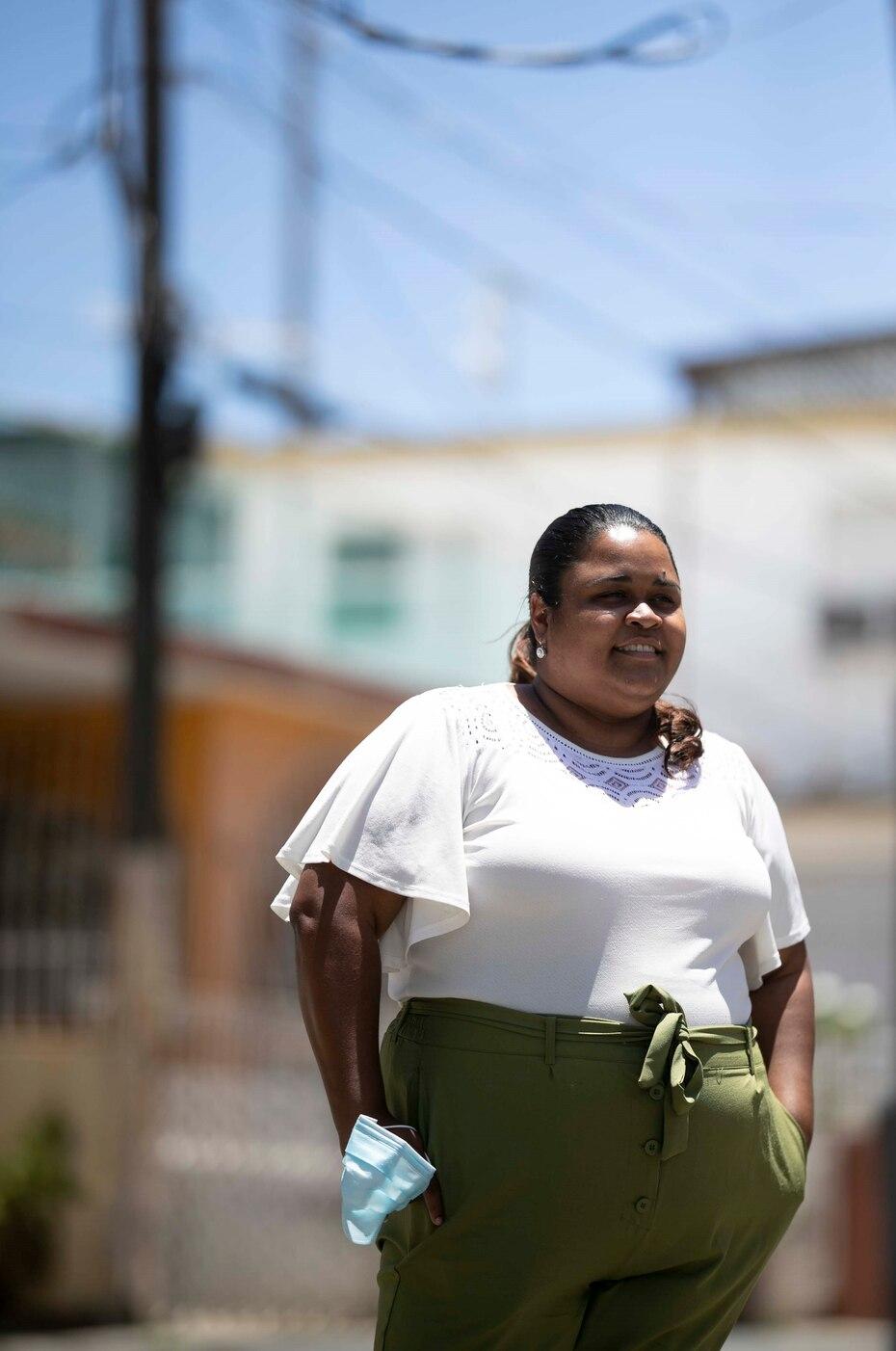 Francine Sánchez, directora ejecutiva de la Compañía para el Desarrollo Integral de la Península de Cantera, explicó que la última fase es la de notificación, y consiste en ir casa por casa y entregarles a los vecinos el plano o mapa del deslinde.