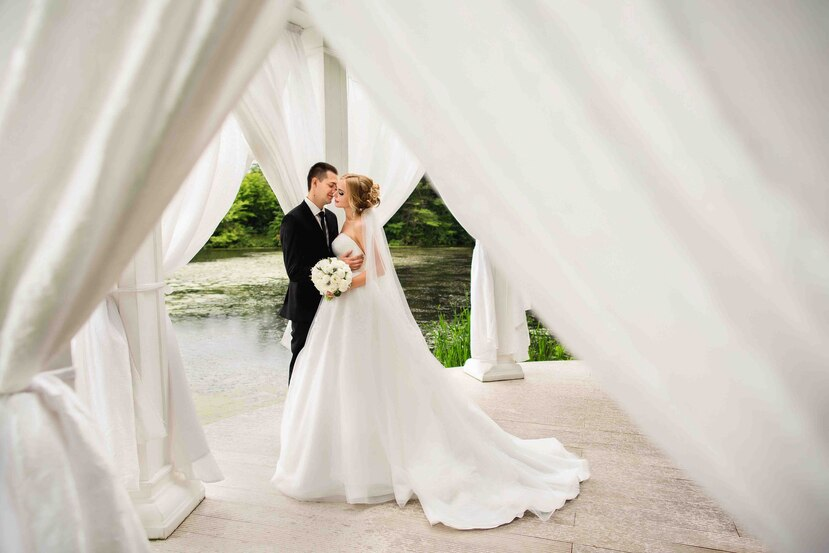 Muchas personas están posponiendo su boda, lo que repercute en todos los servicios coordinados.  (Shutterstock)