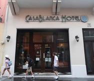 Casablanca Hotel está localizado en la calle Fortaleza, en Viejo San Juan.