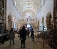 La Iglesia San José fue abierta algunas horas durante el Jueves y Viernes Santo.
