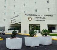 Siguen sumándose contagios de COVID-19 en la cárcel federal, confirma el juez Gelpí