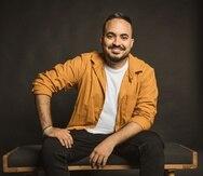 El cantante Ángel Chaparro es natural de Aguada y también se desempeña como trabajador social.