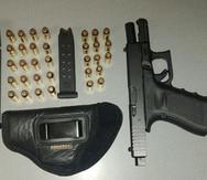 Policías hallan un arma de fuego dentro de una caja de contadores de la AEE