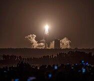 Una nave china regresa a la Tierra con 4.4 libras de rocas lunares